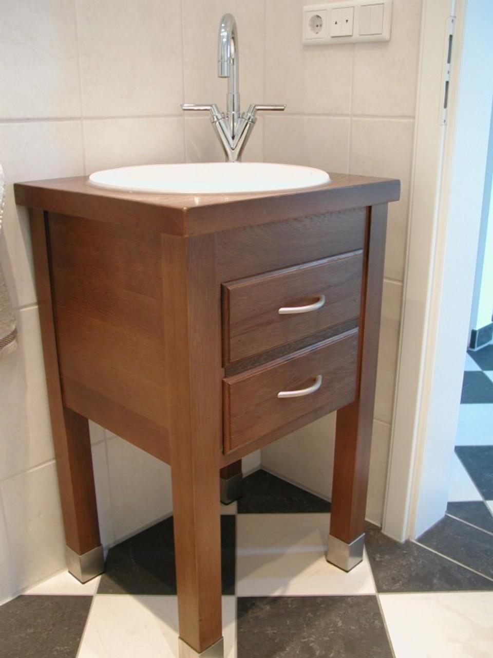 Badmöbel - Waschtisch mit eingelassenem Waschbecken