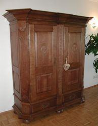Dielenschrank / Porzellanschrank / Geschirrschrank - Oldenburg -  für Wohnzimmer oder Flur, Eiche massiv,  Eichenmöbel und moderne Massivholzmöbel