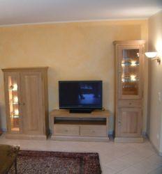 Malta Wohnkombination, Wohnwand, Vitrine, TV-Anrichte, Säulenvitrine, moderner Landhaus-Stil / Eiche, Buche oder Kirschbaum vollmassiv