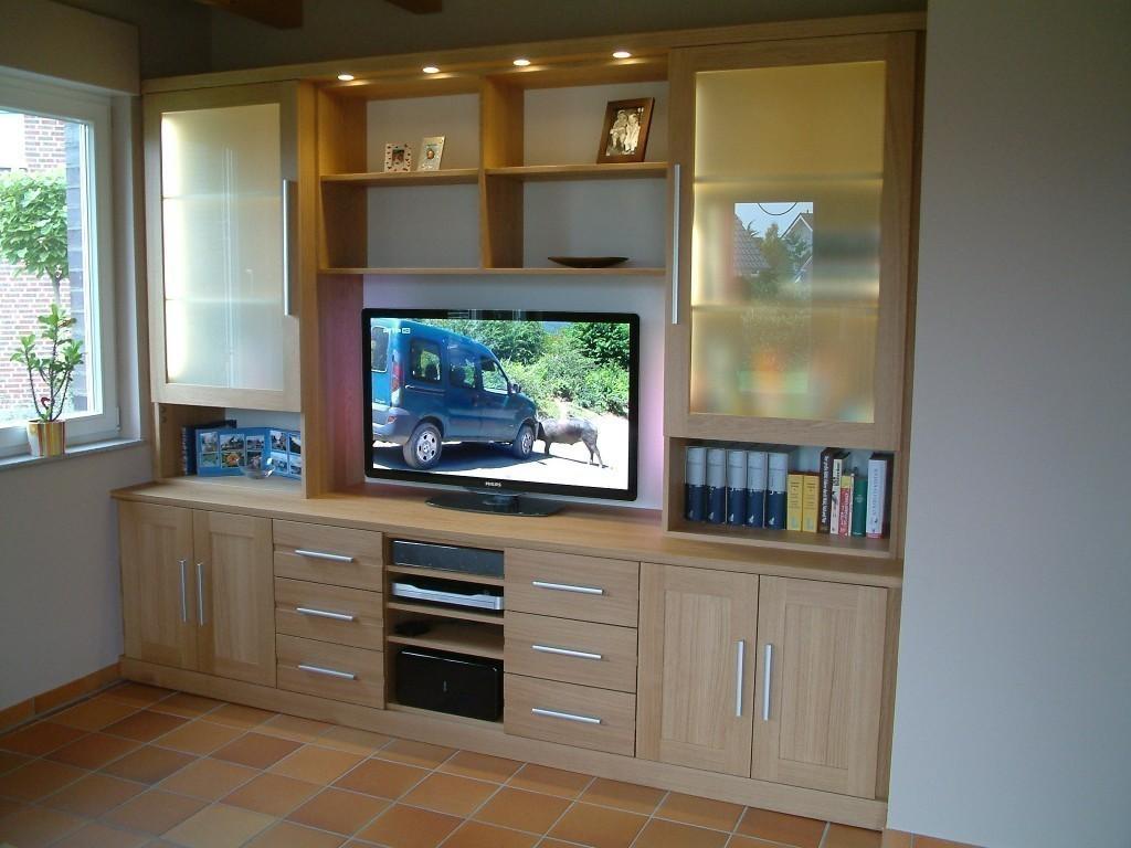 moderne wohnwand mit offenem fach f r plasma tv tv mediencenter in eiche massiv mit milchglas. Black Bedroom Furniture Sets. Home Design Ideas