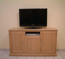Malta TV-Anrichte 3-türig für Flachbild-TV, mit Nische für Reciever oder DVD-Player etc., moderner Landhaus-Stil / Eiche, Buche oder Kirschbaum vollmassiv