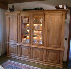 Wohnschrank Habsburg in Eiche massiv, Farbtöne gelaugt, geölt, gebeizt , lackiert etc. / Eichenmöbel und moderne Massivholzmöbel