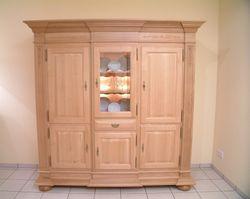 Wohnzimmerschrank / Schrank Eiche massiv, Modell:Niburg 3-türig, Breite 200 cm, Eiche vollmassiv (klassisches Eichenmöbel / Stilmöbel)