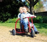 JAALINUS Firetruck / Feuerwehr-Dreirad mit Stellfläche / Sitzhöhe 34 cm / Belastbarkeit: 100 kg / Alter: 4-7 Jahre