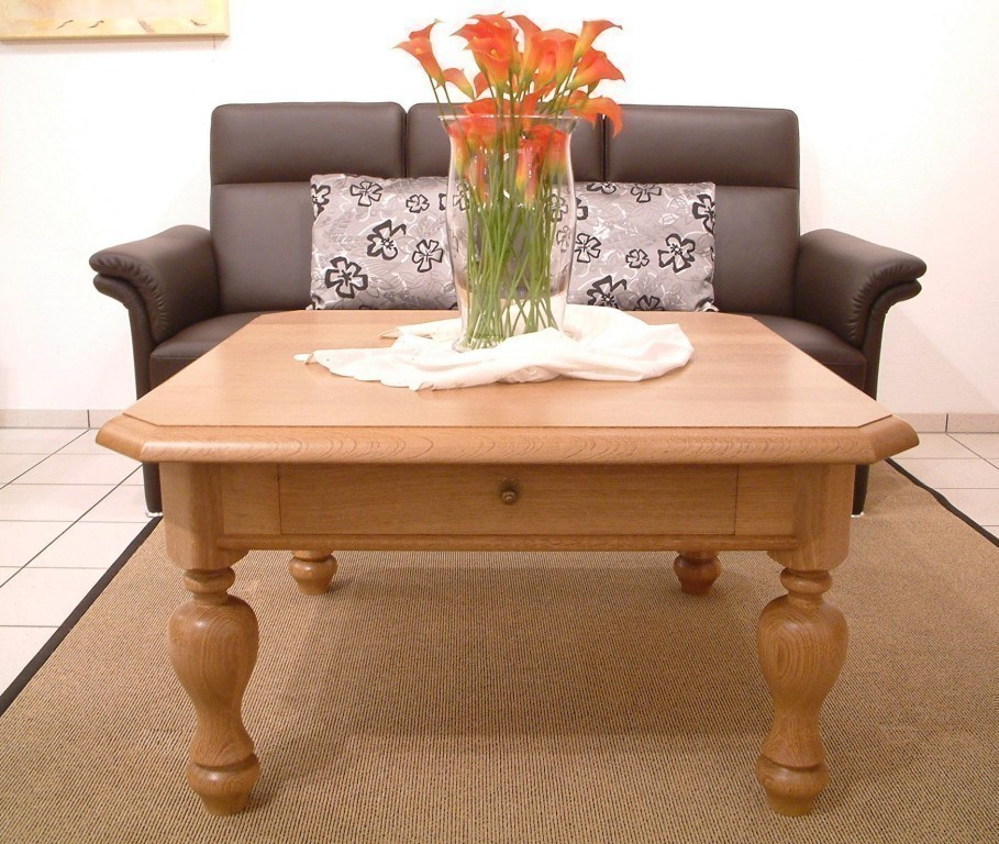 eckiger couchtisch gerona 100 cm x 100 cm mit holzplatte und gedrechselten f en eiche massiv. Black Bedroom Furniture Sets. Home Design Ideas