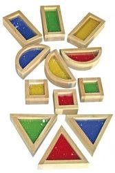 Blocks mit Perlen / 16 geometrische Holzelemente mit im Acrylglas eingefassten farbigen Perlen / Gewicht: 1,1 kg / für Kinder ab 3 Jahren