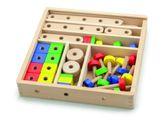 Holzbaukasten 53-teilig / Material: Holz / Aufbewahrungsbox mit durchsichtigem Schiebedeckel / Maße: 31 x 31 x 5,5 cm / für Kinder ab 3 Jahren