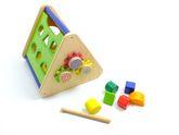 Activity Korb / tragbares Motorikspielzeug aus Holz / drehen, schieben, sortieren, trommeln / Maße: 26 x 26 x 23 cm / für Kinder ab 18 Monaten