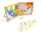 Magnet-Formenspiel im Holzkoffer / 40 magnetische, geometrische Formen + 20 Vorlagenkarten / 26 x 26 x 4 cm / für Kinder ab 3 Jahren