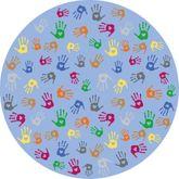 Runder Spielteppich mit bunten Handabdrücken / Material: Polyamid, Latexrücken / Durchmesser: 200 cm / für Kinder ab 3 Jahren