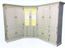 Eckschrank / Wohnzimmer-Schrank in Maßanfertigung in Eiche vollmassiv, Farbe: Eiche weiß, Sonderanfertigung nach Kundenwünschen individuell hergestellt / Eichenmöbel und moderne Massivholzmöbel