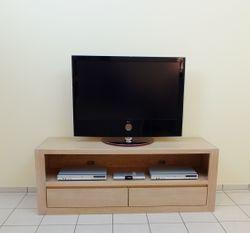 Reken TV-Anrichte, Lowboard in Eiche massiv, grifflos, Breite 160 cm, mit 2 Schubladen für CD´s, Modell: TV-Anrichte  Reken  160