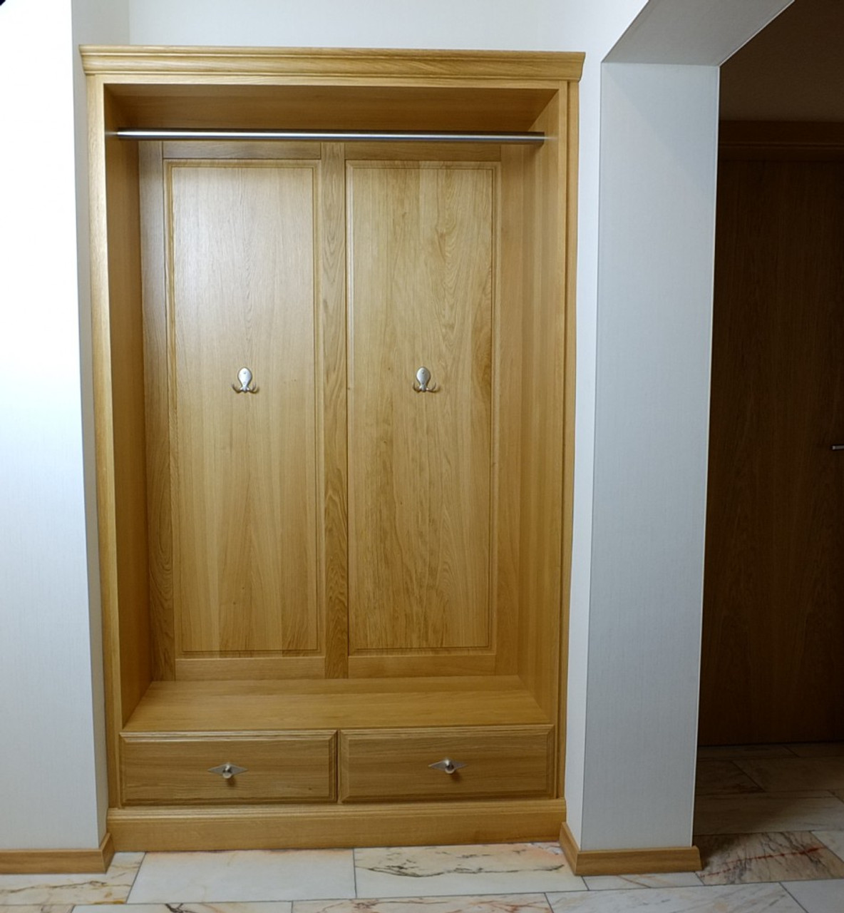 einbau garderobe f r nische eiche buche oder kirschbaum massiv modell einbaugarderobe. Black Bedroom Furniture Sets. Home Design Ideas