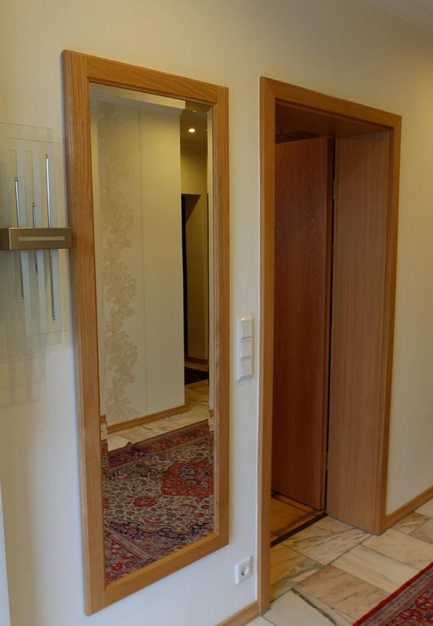 spiegel holzspiegel spiegelrahmen flurspiegel in eiche buche oder kirschbaum massiv. Black Bedroom Furniture Sets. Home Design Ideas