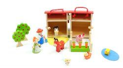 Bauernhof / zusammenklappbares Spielset für Kinder ab 3 Jahren / Inhalt: 1 Stallbebäude, Bauer mit Frau, Tiere, Futtertrog mit Möhren, Zäune und Bäume / für Kinder ab 3 Jahren