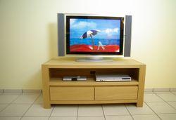 Schermbeck moderne TV-Anrichte, Fernseh-Lowboard in Eiche massiv, grifflos, Breite 120 cm, mit 2 Schubladen für CD´s, Modell: TV-Anrichte  Schermbeck120  mit 1 Nische