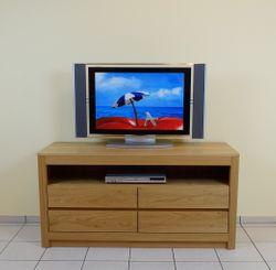 Haltern moderne Anrichte für Flachbildfernseher , Fernseh Lowboard in Eiche massiv, grifflos, Breite 140 cm, mit 4 Schubladen für CD/DVD, Modell: TV-Anrichte  Haltern140  mit 1 Nische