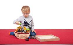 Arche-Schaukelboot  Bedrohte Tiere  aus Holz / 15 Tiere und 1 Boot in einer praktischen Aufbewahrungsbox / Gewicht: 1,1 kg / für Kinder ab 3 Jahren geeignet!