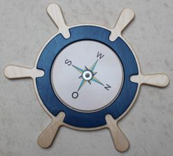Wandspiel Steuerrad mit drehbarem Kompass / Drehspiel / Material: Holz / Durchmesser: 48 cm / Made in Germany / 3+