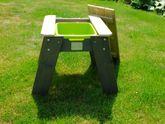 B-Ware / war bereits aufgebaut - Aufbauspuren / EXIT Aksent Sand- und Wassertisch M / Kinderspieltisch mit 1 Kunststoffbecken / Material: Nordisches Fichtenholz / Maße: 61 x 69 x 50 cm / Gewicht: 9 kg