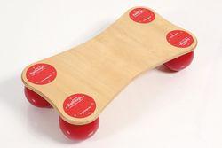 Balanza Ballstep mini / Material: Ruton + Birkenholz / Belastbar bis 120 kg / Gesamtgewicht: 3 kg / Größe: 64 x 34 x 14 cm