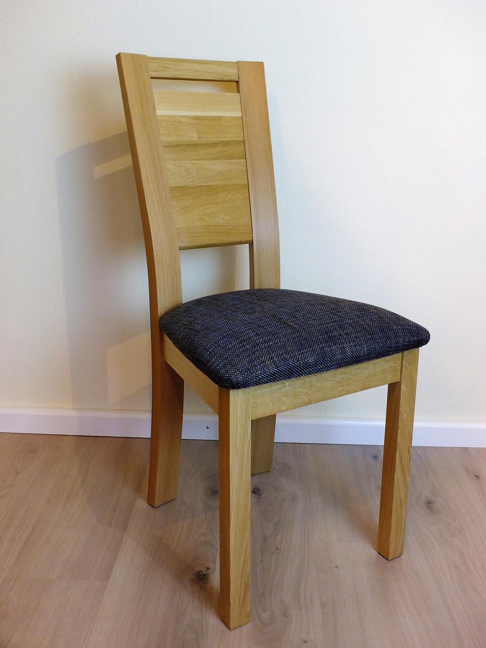 stuhl lauenau 420 massivholzstuhl eiche oder buche mit gepolstertem sitz und holzr cken. Black Bedroom Furniture Sets. Home Design Ideas