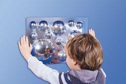 Acrylspiegel 4er Set / Lustig verzerrte Bilder entstehen, wenn man in diese Spiegel schaut / Material: Acryl / Maße: je 30 x 40 cm / für Kinder ab 3 Jahre