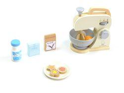 Mixer Set: Mixer mit drehbaren Rührstab, Rührschüssel, Teller, Ei, Flasche Milch, Paket Zucker + Mehl, 3 Plätzchen / Material: Holz / für Kinder ab 3 Jahren geeignet