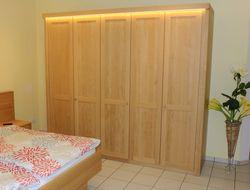 Lavesum Kleiderschrank / Schlafzimmerschrank , Eiche, Asteiche, Buche oder Kirschbaum vollmassiv - Fronten auch als Schiebetüren und auch mit lackiertem Glas möglich