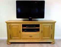 Legden TV Anrichte 160 cm / Fernsehanrichte / Lowboard in Eiche vollmassiv gelaugt