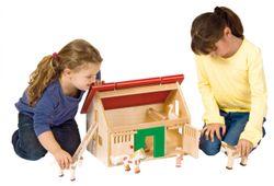 B-Ware / Kratzer auf dem Dach / Reitstall aus Holz (Lieferung OHNE Zubehör!) / mit aufklappbaren Dachhälften und Leiter / Maße: 42 x 27,5 x 36 cm / Hergestellt in Deutschland! / für Kinder ab 3 Jahre