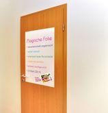 Whiteboardfolie / mit Folienstifte beschreibbar / haftet statisch an glatten Tapeten, Fenstern oder Türen  / Material: Kunststoff / 1 Rolle mit 24 Blatt DIN A1
