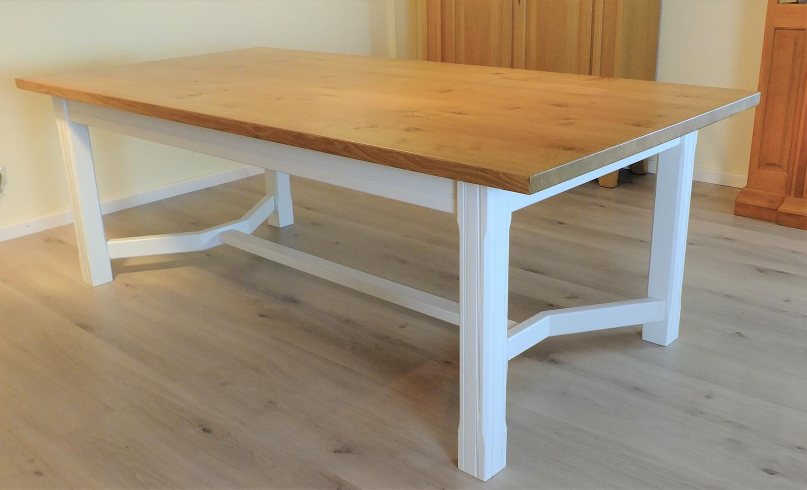 """Esstisch / Tisch """"Kurland"""" 220 x 110 cm Platte Asteiche Natur - Gestell Eiche weiß / Ausstellungsstück zum Sonderpreis 1.890,00 €"""