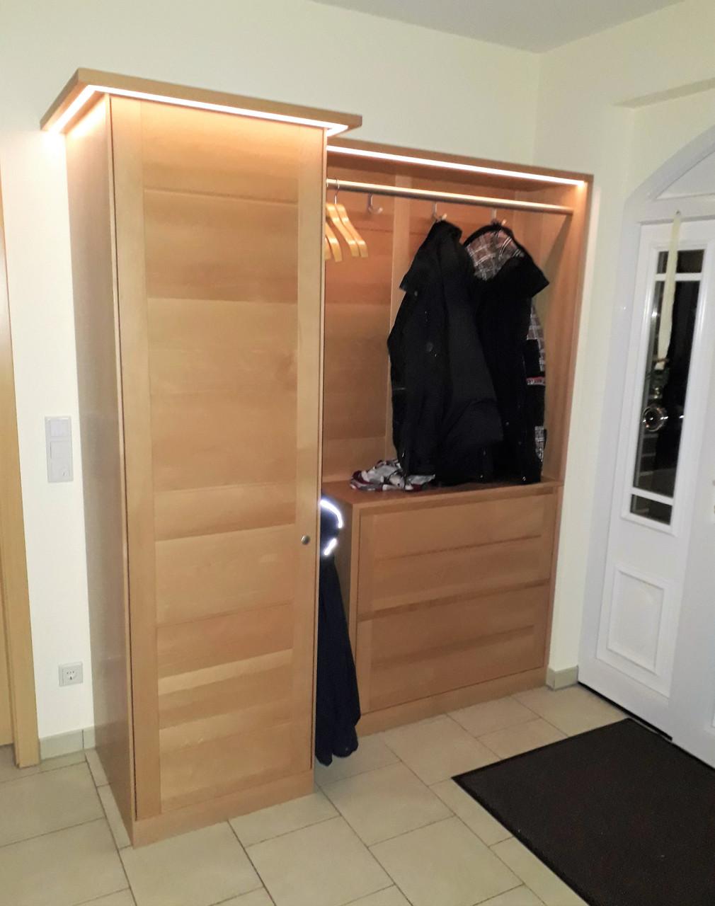 Maßgarderobe Moderna - Buche massiv mit geschlossenem Schrank, Schuhschrank, Innen-Spiegel und Garderobenpaneel - individuell planbar - auch in Eiche oder Kirschbaum möglich