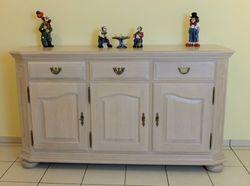 Gerona Anrichte 3-türig / Sideboard / Kommode Breite 160 cm Höhe 90 cm Eiche salin (weiß) gebeizt ,  Eiche vollmassiv - klassisches Möbelstück mit moderner Oberfläche