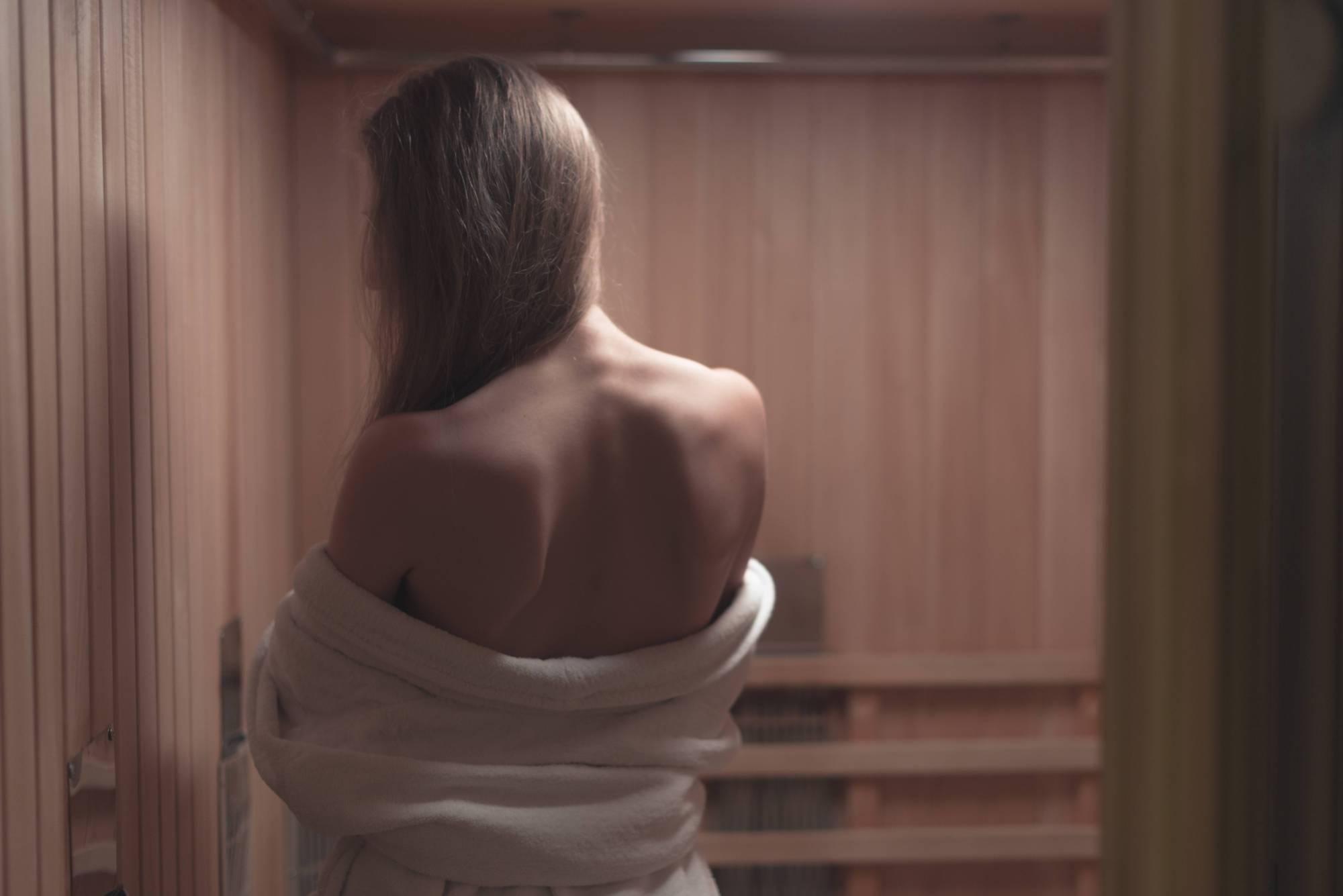 Infrarot-Wärmekabine im Vergleich zur Sauna