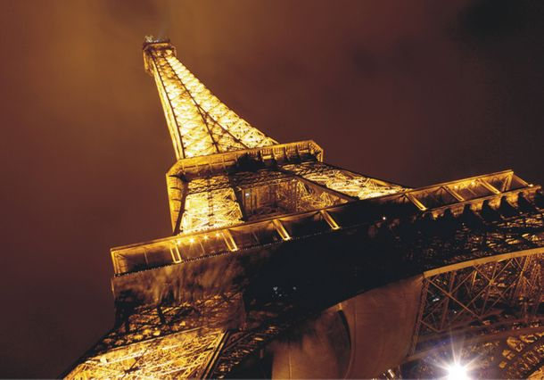 Wall mural wallpaper eiffel tower by night lighted Paris photo 360 cm x 270 cm / 3.94 yd x 2.95 yd