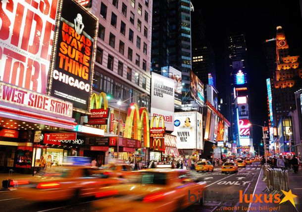 Wall mural wallpaper New York Broadway Taxi Yellow Cap night photo 360 cm x 254 cm / 3.94 yd x 2.78 yd online kaufen