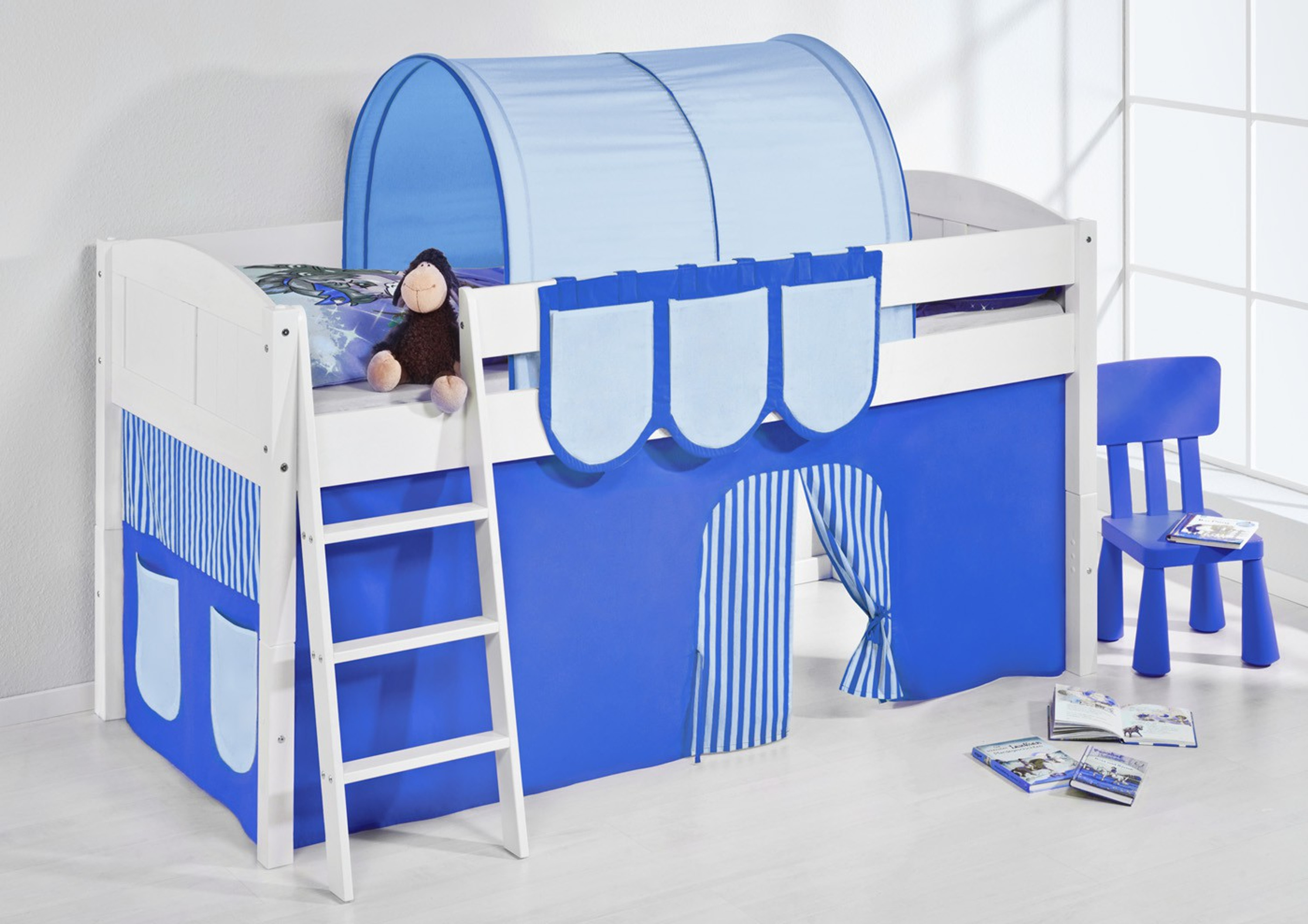 spielbett blau wei mit vorhang 4106 m bel baby kinderzimmer hochbetten. Black Bedroom Furniture Sets. Home Design Ideas