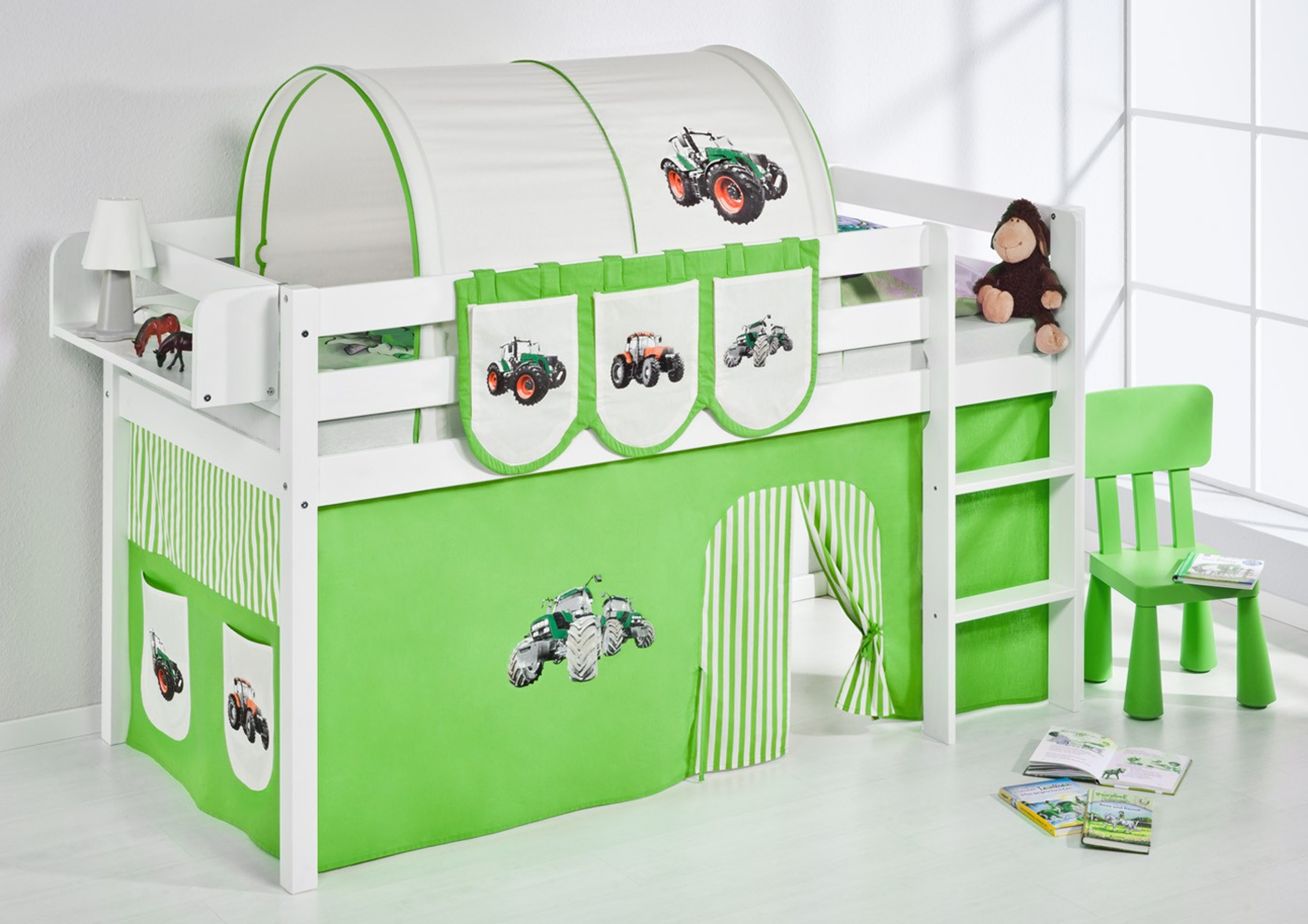 spielbett trecker gr n beige wei mit vorhang jelle m bel baby kinderzimmer hochbetten. Black Bedroom Furniture Sets. Home Design Ideas