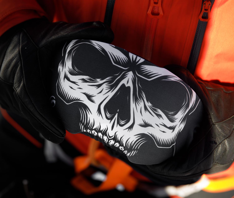 Skibrillenschutz Gogglesoc Skull