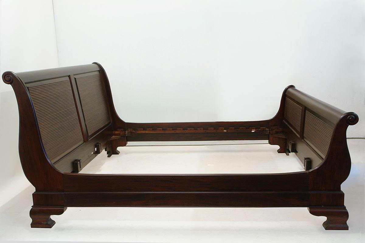 Bett Doppelbett Bettrahmen 200 x 200 cm Massivholz im repro antik Stil  (1608)