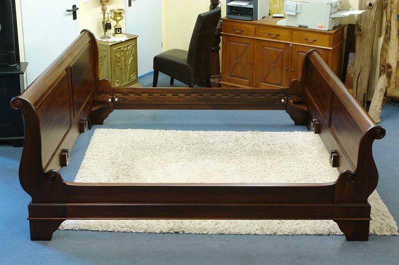 antike und neue betten f r jeden geschmack im online shop. Black Bedroom Furniture Sets. Home Design Ideas