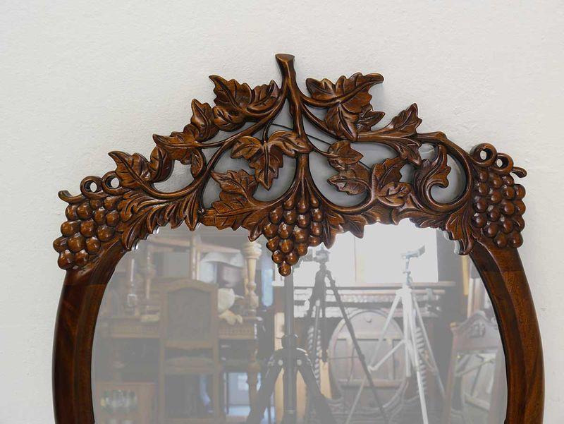 Wandspiegel Spiegel Garderobenspiegel Traubenmotiv Massiv in Nussbaum (3337) – Bild 2