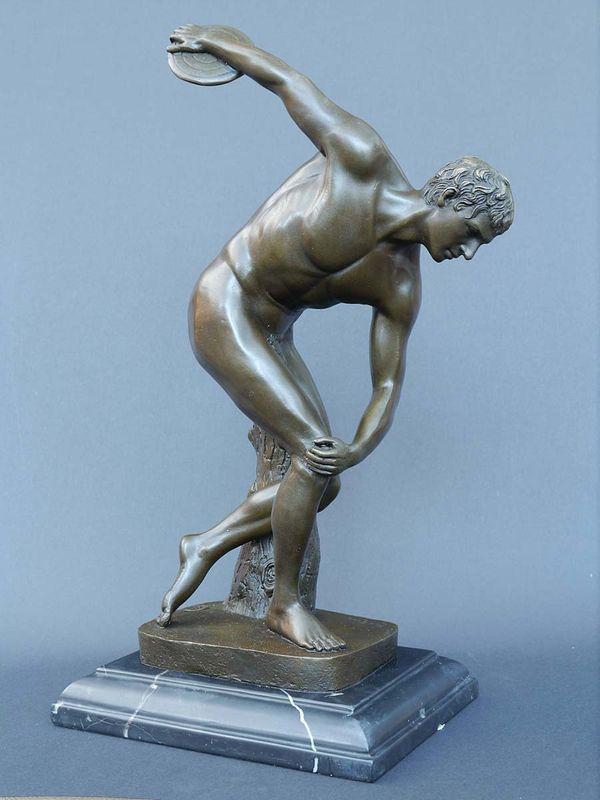Bronze Figur Skulptur eines Diskuswerfers auf edlem Marmorsockel (5645) – Bild 1