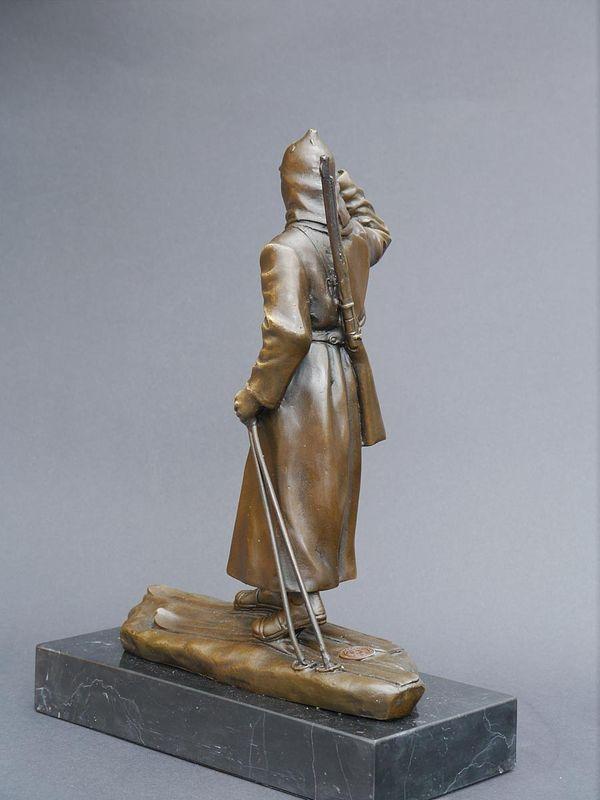 Bronze Figur Russischer Soldat Infanterist der roten Armee auf Skiern (5653) – Bild 3