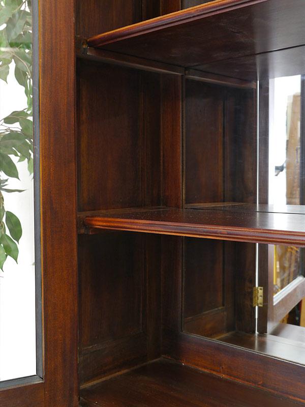 vitrine schrank antik stil massivholz nussbaum farbton linker t ranschlag 588 schr nke. Black Bedroom Furniture Sets. Home Design Ideas