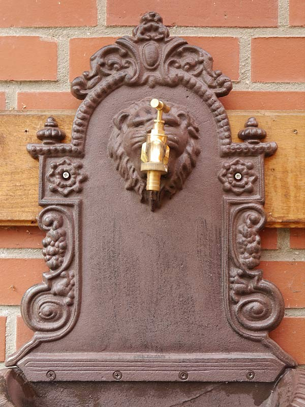 Wandbrunnen Brunnen Gartenbrunnen Gusseisen in rostbraun 74x42x24 cm (6032) – Bild 2