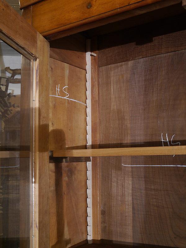 Schrank Vitrine Bücherschrank Biedermeier um 1840 Kirschbaum B: 139 cm (6320) – Bild 4
