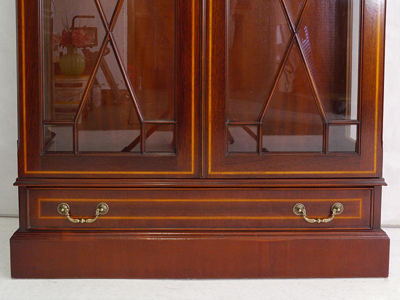 Vitrine Glasvitrine Vitrinenschrank englischer Stil Mahagoni + Intarsien (6459) – Bild 5